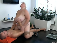 Busty fat girl rides anorectic guy