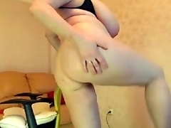 Mom w: Massive Tits does a Show - More on tap MOISTCAMGIRLS.COM