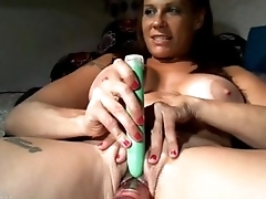 Best Friend'_s Mom Plays with The brush Pussy - More at MOISTCAMGIRLS.COM