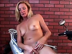 Super sexy older lady plays with her racy pussy for you